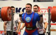 Дмитрий Семененко. Учитель физкультуры приседает 452,5 кг.